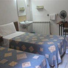Отель Lourdes Испания, Барселона - отзывы, цены и фото номеров - забронировать отель Lourdes онлайн комната для гостей фото 3