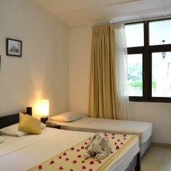 Отель Nuwarawewa Rest House Шри-Ланка, Анурадхапура - отзывы, цены и фото номеров - забронировать отель Nuwarawewa Rest House онлайн комната для гостей фото 3