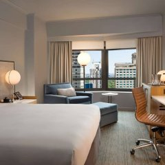 Отель New York Hilton Midtown 4* Семейный смежный номер с двуспальной кроватью фото 2
