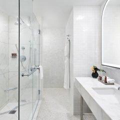Отель Conrad New York Midtown США, Нью-Йорк - отзывы, цены и фото номеров - забронировать отель Conrad New York Midtown онлайн ванная фото 6