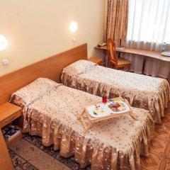 Гостиница Молодежная 3* Стандартный номер с двуспальной кроватью