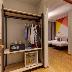 Отель Colors Urban Салоники сейф в номере