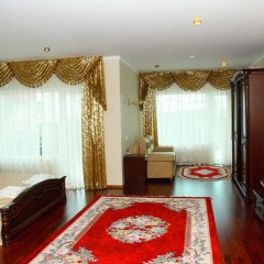 Lux Hotel комната для гостей