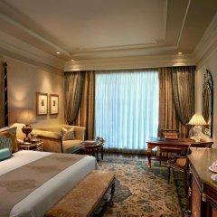 Отель The Leela Palace New Delhi 5* Номер Grand premier