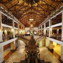 Nusa Dua Beach Hotel & Spa гостиничный бар