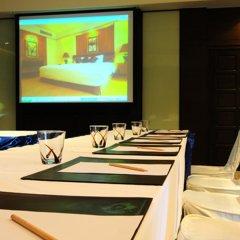 Отель Pantip Suites Sathorn Таиланд, Бангкок - 1 отзыв об отеле, цены и фото номеров - забронировать отель Pantip Suites Sathorn онлайн питание фото 2