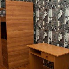 Гостиница Хостел B&B в Иркутске отзывы, цены и фото номеров - забронировать гостиницу Хостел B&B онлайн Иркутск комната для гостей фото 2