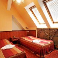 Hotel Union 4* Стандартный номер с 2 отдельными кроватями