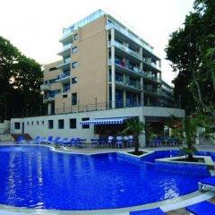 Отель Holiday Park Hotel Болгария, Золотые пески - отзывы, цены и фото номеров - забронировать отель Holiday Park Hotel онлайн бассейн фото 2