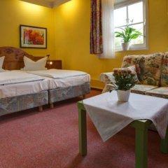Отель Bayrischer Hof Германия, Вольфенбюттель - отзывы, цены и фото номеров - забронировать отель Bayrischer Hof онлайн комната для гостей фото 3
