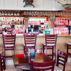Отель Cypress Cove Nudist Resort & Spa Уэйверли гостиничный бар