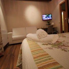 Отель Hostal Orleans комната для гостей фото 3