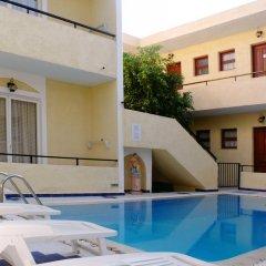 Отель Senia Studios бассейн
