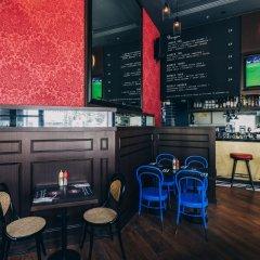 Отель BIG Hotel Сингапур, Сингапур - 1 отзыв об отеле, цены и фото номеров - забронировать отель BIG Hotel онлайн гостиничный бар фото 3