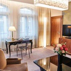 Hotel Vier Jahreszeiten Kempinski München 5* Улучшенный люкс с различными типами кроватей фото 4