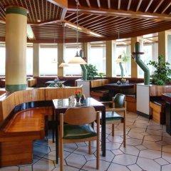 Отель AVUS an der Messe Германия, Берлин - отзывы, цены и фото номеров - забронировать отель AVUS an der Messe онлайн гостиничный бар фото 2