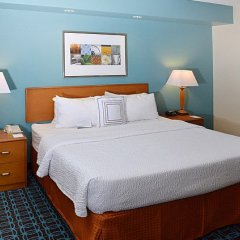 Отель Fairfield Inn & Suites Effingham комната для гостей