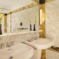 Hotel Bristol, a Luxury Collection Hotel, Vienna 5* Номер Делюкс с видом на Оперу с различными типами кроватей фото 3