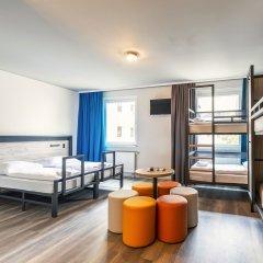 Отель a&o Berlin Hauptbahnhof Германия, Берлин - 12 отзывов об отеле, цены и фото номеров - забронировать отель a&o Berlin Hauptbahnhof онлайн комната для гостей фото 3