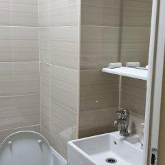 Гостиница Базис-м 3* Номер Эконом разные типы кроватей (общая ванная комната) фото 5