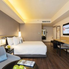 Отель Travelodge Sukhumvit 11 4* Номер Делюкс фото 5