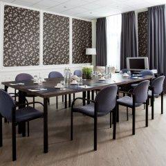 Отель Amsterdam De Roode Leeuw Нидерланды, Амстердам - 1 отзыв об отеле, цены и фото номеров - забронировать отель Amsterdam De Roode Leeuw онлайн питание фото 3