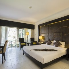Отель Amora Beach Resort Phuket комната для гостей фото 2