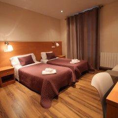 Отель Hostal Orleans комната для гостей фото 5