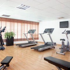 Отель Holiday Inn Express Dubai Safa Park фитнесс-зал