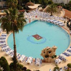 Corolla Hotel бассейн