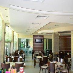 Отель L&B Солнечный берег гостиничный бар