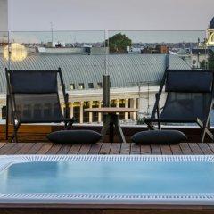 Отель Gran Melia Palacio De Los Duques 5* Люкс Red level с тремя комнатами с различными типами кроватей