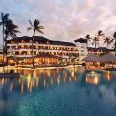 Nusa Dua Beach Hotel & Spa бассейн
