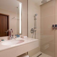 Гостиница Фор Поинтс бай Шератон Краснодар ванная фото 3