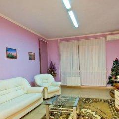Гостиница 100 Friends Hostel в Краснодаре отзывы, цены и фото номеров - забронировать гостиницу 100 Friends Hostel онлайн Краснодар комната для гостей