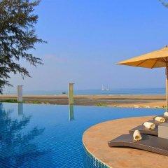 Отель Twin Lotus Resort and Spa - Adults Only бассейн фото 2