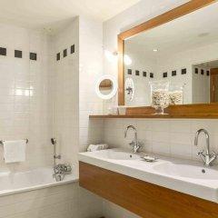 Отель Hilton Amsterdam Амстердам ванная фото 3