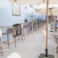 Отель Euroclub Hotel Мальта, Каура - 1 отзыв об отеле, цены и фото номеров - забронировать отель Euroclub Hotel онлайн гостиничный бар фото 4