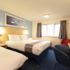 Отель Travelodge London Ilford комната для гостей фото 3