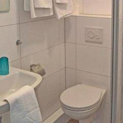 Отель Cafe am Park Германия, Брауншвейг - отзывы, цены и фото номеров - забронировать отель Cafe am Park онлайн ванная
