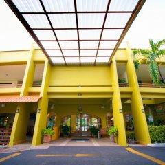 Отель Peace Resort Pattaya парковка