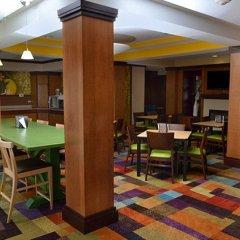 Отель Fairfield Inn & Suites Effingham питание