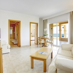 Отель Grupotel Santa Eulària & Spa - Adults Only комната для гостей фото 4