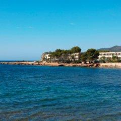 Отель Grupotel Santa Eulària & Spa - Adults Only пляж
