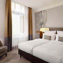 Отель Reichshof Hamburg, Curio Collection by Hilton 4* Номер Medium с различными типами кроватей фото 3