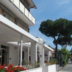 Отель GIAMAICA Римини вид на фасад фото 2
