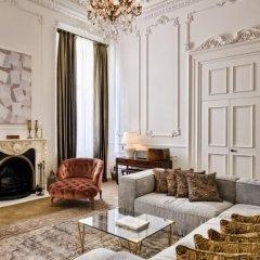 Отель Soho House Istanbul 5* Номер The playroom с различными типами кроватей фото 3