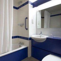 Отель Travelodge Liverpool Docks Hotel Великобритания, Ливерпуль - отзывы, цены и фото номеров - забронировать отель Travelodge Liverpool Docks Hotel онлайн ванная фото 2