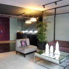 Отель V Hotel Филиппины, Манила - отзывы, цены и фото номеров - забронировать отель V Hotel онлайн интерьер отеля фото 3