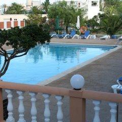 Отель Aparthotel Flats Friends Tropicana бассейн